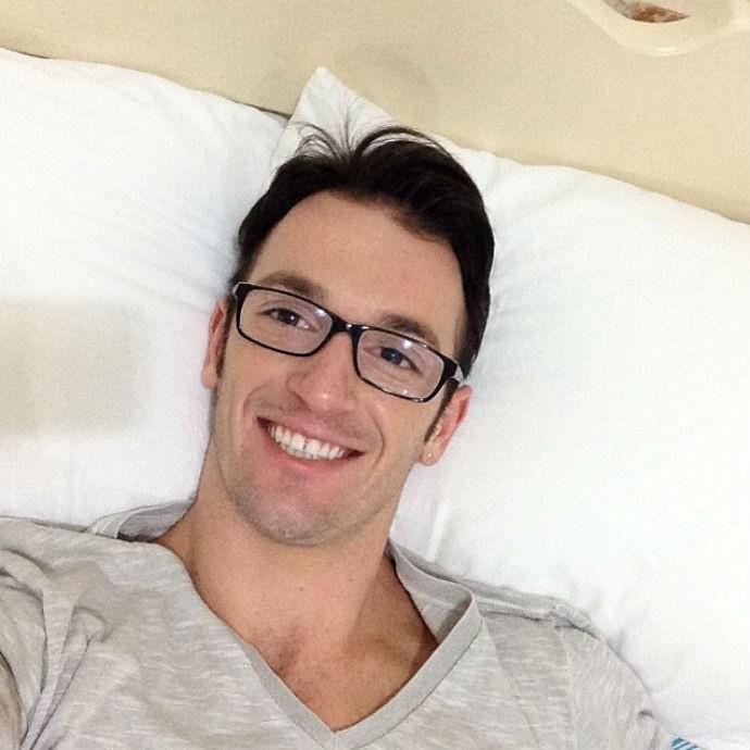 Diego Hypolito selfie diferente (Foto: Reprodução Instagram)