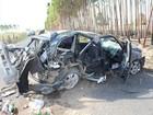 Acidente destrói veículos e deixa 10 pessoas levemente feridas na Bahia
