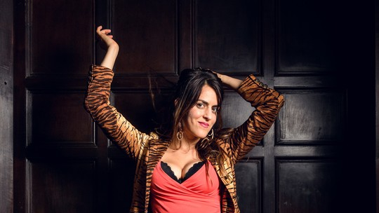 Luciana Paes avalia atitudes ousadas de Kika em 'Vade Retro': 'O sexo é algo muito importante na vida dela'