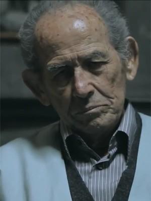 O ator Abrahão Farc no clipe de 'Subirusdoistiuzin', de Criolo (Foto: Reprodução/YouTube)