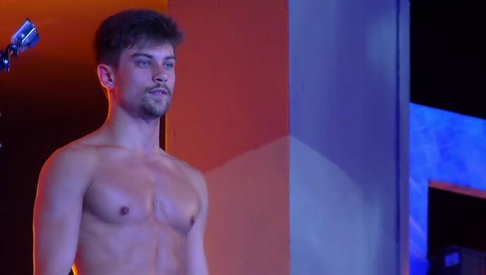 Raphael Sander abalou o coração dos internautas (Foto: TV Globo)