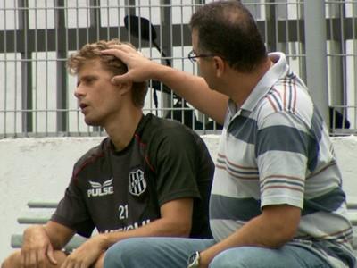 Adrianinho, meia da Ponte (Foto: Carlos Velardi/ EPTV)