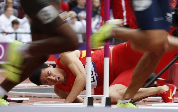 Campeão olímpico em Atenas-2004, Liu Xiang protagonizou um dos episódios mais dramáticos de Londres (Foto: Reuters)