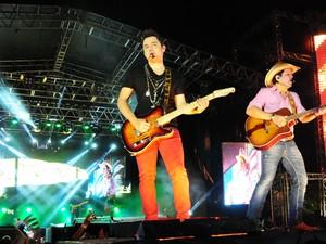 Fernando e Sorocaba fazem show tecnológico no Rodeio de Jaguariúna (Foto: Raul Pereira/G1)
