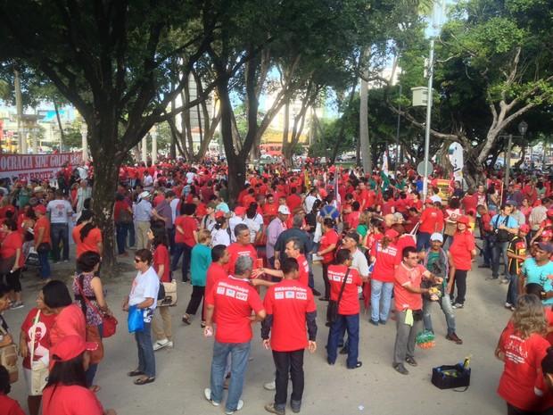 Protesto no Recife (Foto: Thays Estarque/G1)