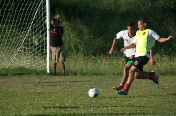 Novo contratado para o ataque, Guilherme é opção de velocidade (Foto: Marco Freitas)