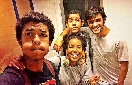 Lellêzinha também se despediu dos colegas de elenco Felipe Simas, Juan Paiva e Cauê Campos. ' Amo vocês', escreveu Reprodução