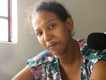 Mãe disse que mordidas eram de 'brincadeira', segundo depoimento à polícia. (Foto: Denise Soares/G1)