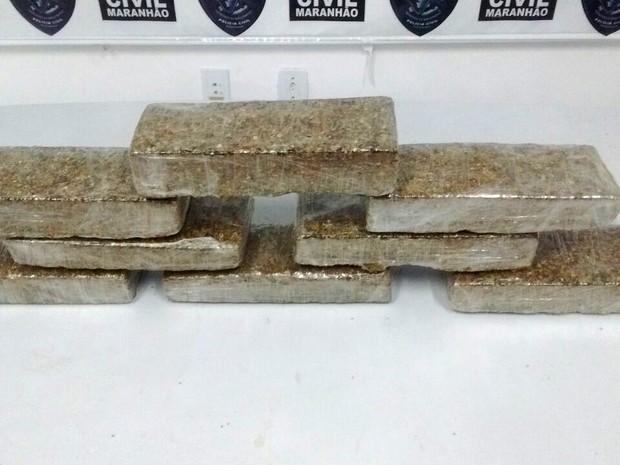 Droga estava na bagagem do suspeito (Foto: Divulgação/Senarc-MA)