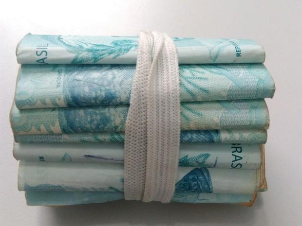 Dinheiro estava na cueca do suspeito em Jaú  (Foto: Polícia Militar/ Divulgação)