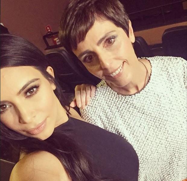 Kim Kardashian faz selfie com Lilian Pacce (Foto: Reproduo/Instagram)