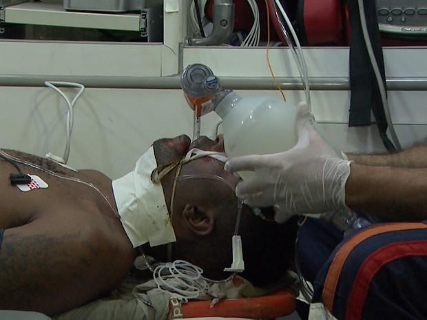 Suspeito sofreu parada cardiorrespiratória na delegacia e foi socorrido pelo Samu (Foto: Ronaldo Oliveira/EPTV)