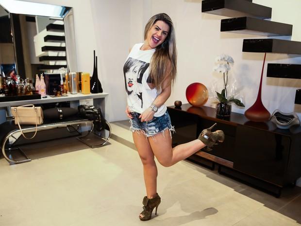 Mirella Santos em sua casa em São Paulo (Foto: Manuela Scarpa/ Foto Rio News)
