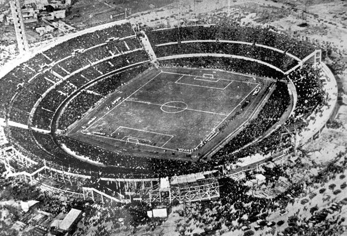 Copa do Mundo 1930 - Estádio Centenário Uruguai (Foto: Agência AP )