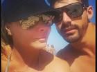 Viviane Araújo posa com namorado na praia: 'Hoje resolvi fazer algo diferente'