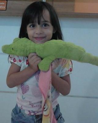 Ana Cristina, de 4 anos, nasceu com deficiência auditiva e já possuia outros casos na família (Foto: Arquivo da Família)