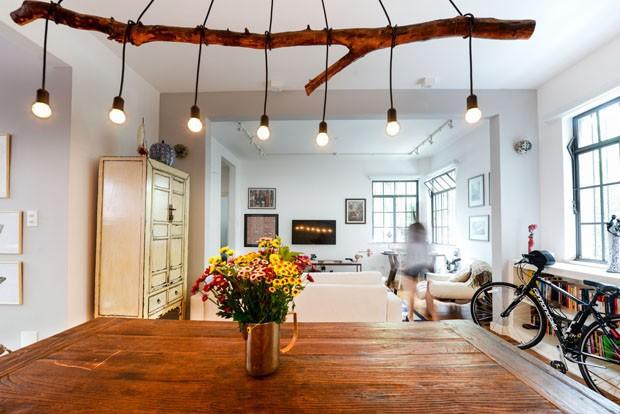 Reforma em apartamento preserva estrutura e objetos cheios de história (Foto: Adriana Granado/Divulgação)