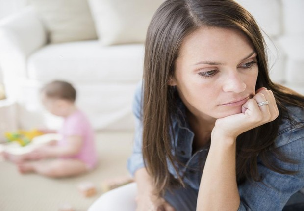 Família ; mãe cansada ; cuidar dos filhos ; abandonar a carreira ;  (Foto: Thinkstock)