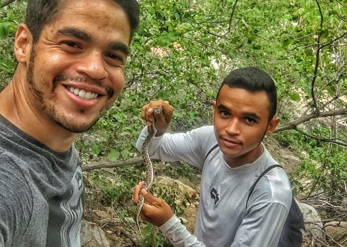 Leo Souza encontrou uma 'cascavel' em Acari (Foto: Divulgação)