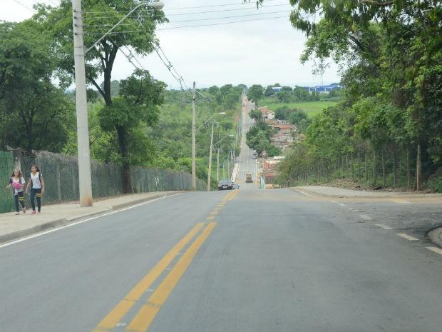 Três vias do bairro Iporanga foram pavimentadas  (Foto: Assis Cavalcante)