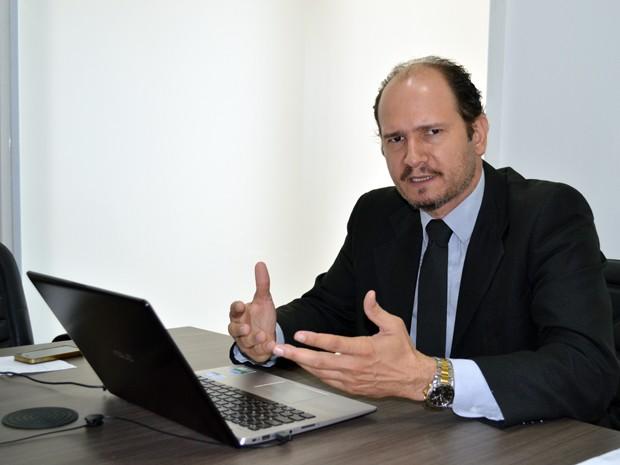 Advogado Gutemberg Vargas, especialista em processos sobre acidentes de trabalho (Foto: Anderson Viegas/Do G1 MS)