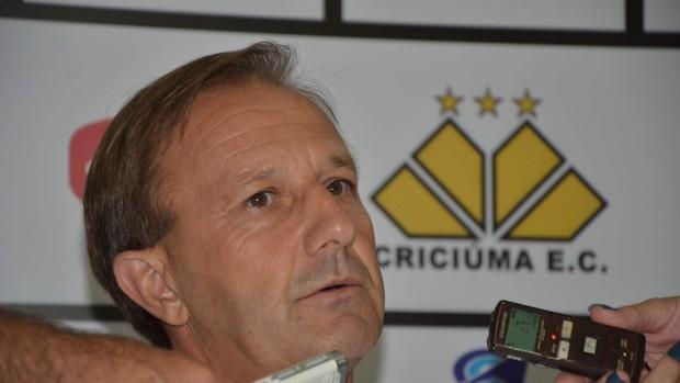 Sarandí apresentado como diretor das categorias de base do Criciúma (Foto: Lucas Sabino, Divulgação / Criciúma E. C)