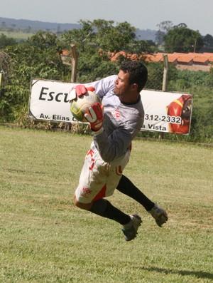 Fernando, goleiro do Uberaba Sport, se sente culpado pela derrota para o Tupi (Foto: Enerson Cleiton / GLOBOESPORTE.COM)