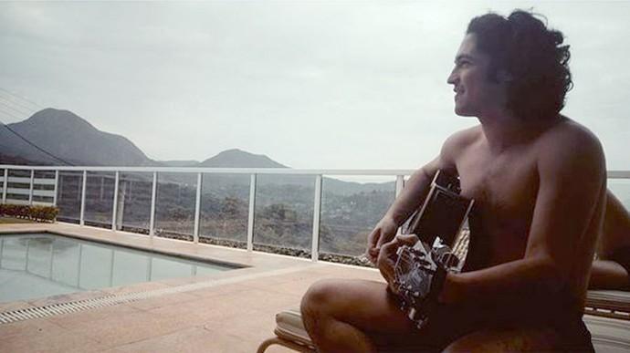 Gabriel Leone começou a estudar música quando se interessou pelas artes (Foto: Arquivo Pessoal)