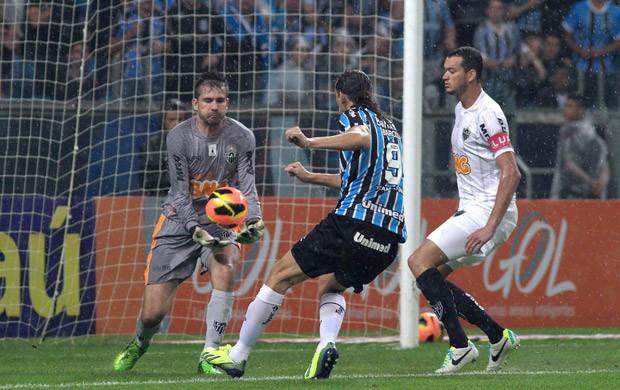 Victor e Barcos Grêmio e Atlético-mg (Foto: Luciano Leon / Futura Press)
