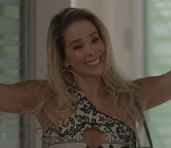 Suely finge estyar interessada numa reaproximação com Débora (Foto: TV Globo)