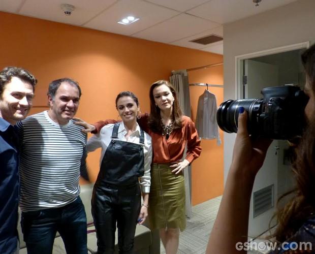 Eles posam para Tainá (Foto: Domingão do Faustão/TV Globo)