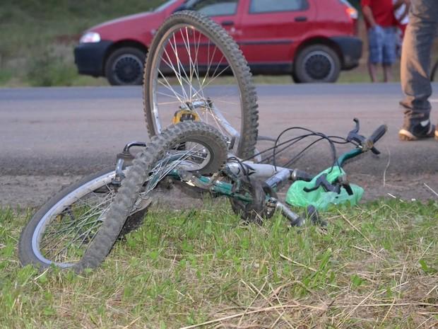 Homem de 36 anos morreu no local do acidente (Foto: Portal do Biguá/Divulgação)