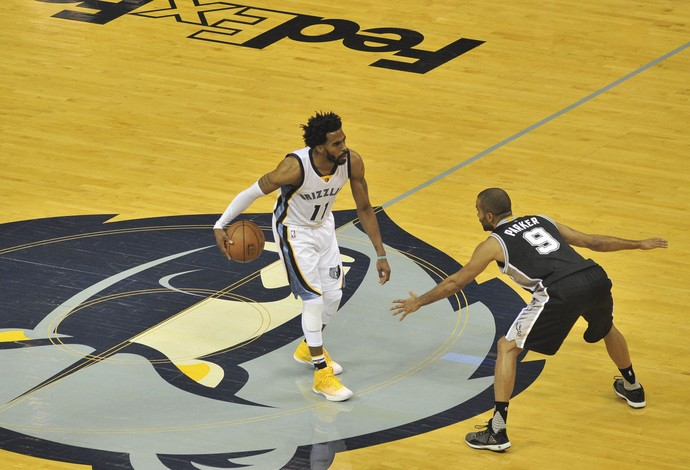 Mike Conley, dos Grizzlies, jogando contra o San Antonio na NBA (Foto: Justin Ford-USA TODAY Sports)