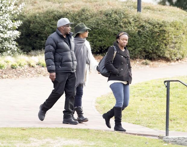 Bobby Brown e sua esposa Alicia Etheredge com filha Laprincia Brown  (Foto: AKM-GSI/Agencia)