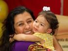 Filha do sambista Leandro Sapucahy celebra 2 anos cercada de bambas