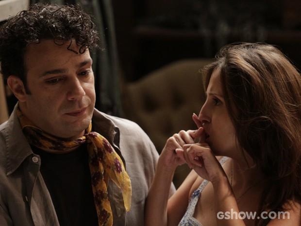 Joel diz para Cléo que Aurora está grávida  (Foto: Fábio Rocha / TV Globo)