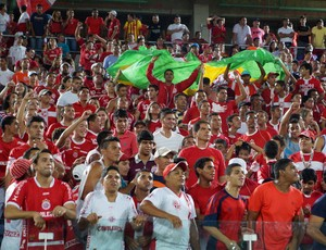 Torcida do América-RN na Arena das Dunas (Foto: Augusto Gomes/GloboEsporte.com)