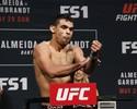 FOTOS: Pesagem do UFC tem empurrão e pose incomum de lutadora musa
