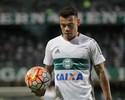 """Meia Bernardo tenta apagar passado polêmico: """"Só penso em jogar futebol"""""""