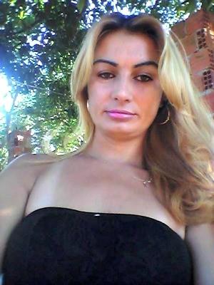 Silvia da Vila Rica tem 30 anos e é casada (Foto: Arquivo pessoal/ Silvia da Vila Rica)