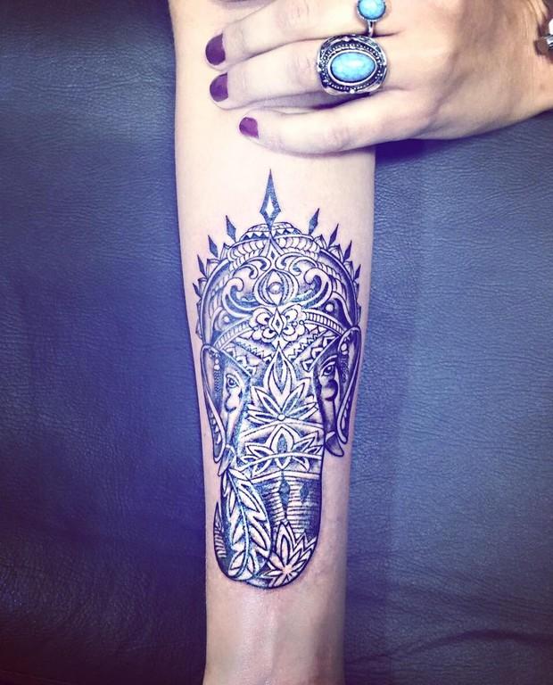 Talita Araújo faz nova tatuagem (Foto: Reprodução / Instagram)