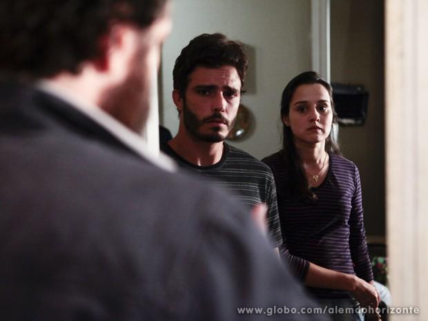 William e Sandra mentem para André (Foto: Pedro Curi/TV Globo)