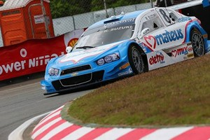 Suzuki durante corrida de Curitiba-PR (Foto: Rafael Gagliano/Hyset)