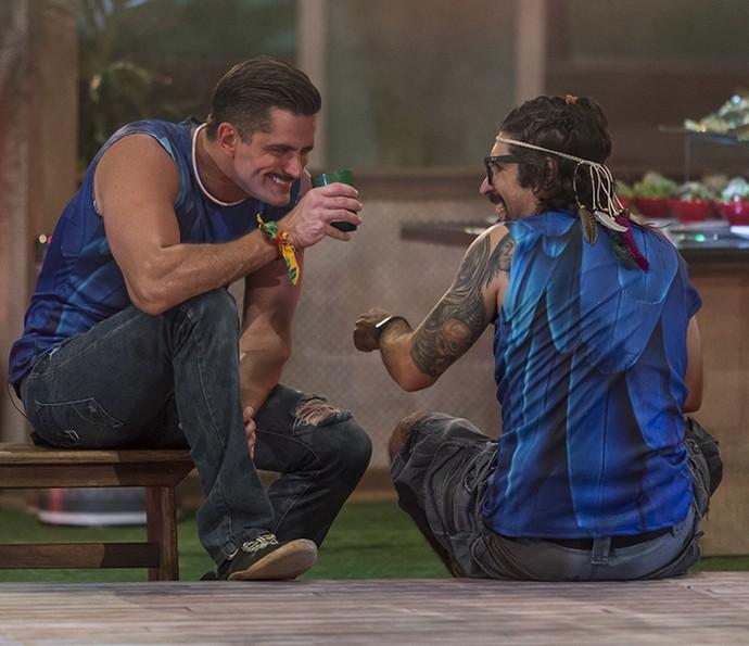 Marcos e Ilmar naquele bate-papo (Foto: Artur Meninea/Gshow)