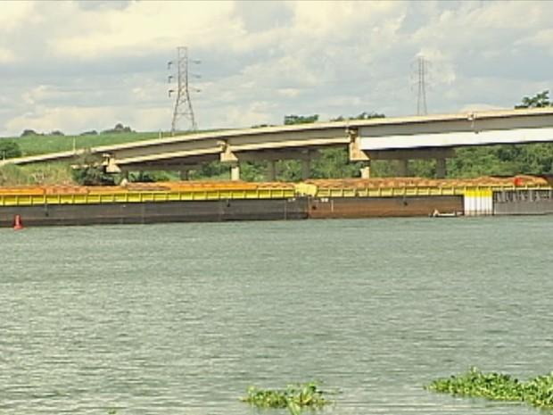 Transporte hidroviário está comprometido (Foto: Reprodução / TV TEM)
