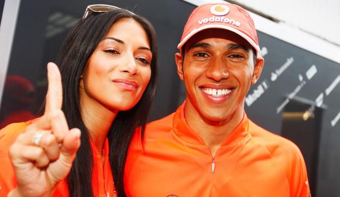 Nicole Scherzinger já comemorou muitas vitórias de Lewis Hamilton, como esta neste mesmo circuito de Hungaroring, há quatro anos, no GP da Hungria de 2009 (Foto: Getty Images)