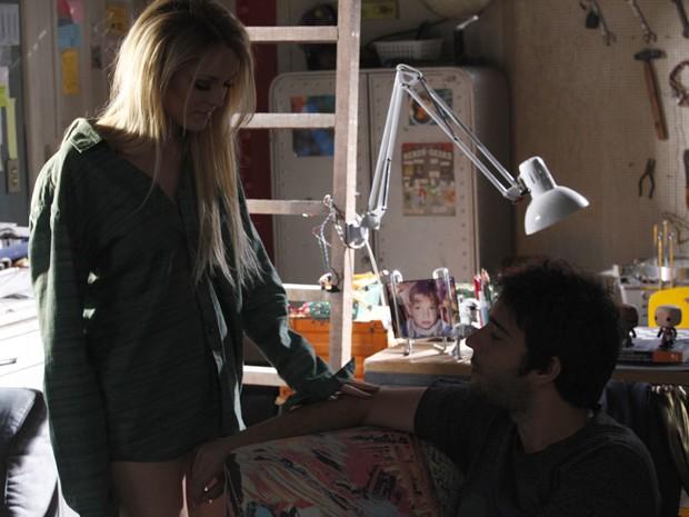 Mesmo perdoando a namorada, Davi fica grilado com sua atitude (Foto: Raphael Dias/TV Globo)