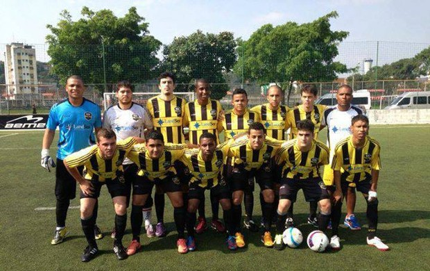 Equipe do Real 7-ES no Brasileiro de Clubes de futebol 7, no Rio de Janeiro (Foto: Divulgação/Arquivo Pessoal)