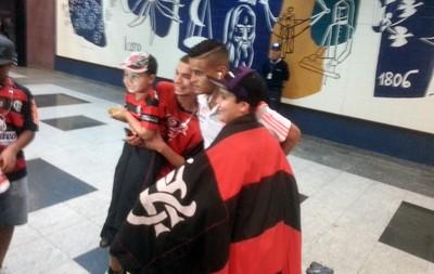 Desembarque Flamengo - Everton (Foto: Thales Soares)