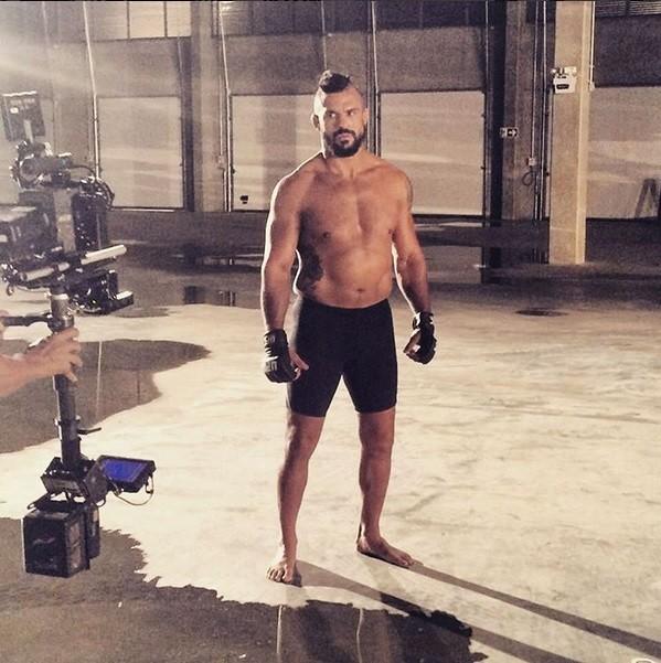 BLOG: Vitor Belfort posta foto no Instagram na qual aparece em forma e sem barriga